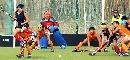 图文:女曲小组赛南京队以3比0战胜兰州队 防守