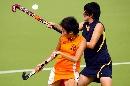 图文:女曲小组赛南京队以3比0战胜兰州队 贴身