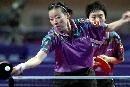 图文:六城会乒乓球比赛 选手比赛中兢兢业业