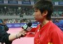 图文:六城会乒乓球赛 郭跃接受央视采访