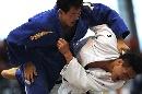 图文: 男子柔道-100公斤级 合肥王强处于劣势