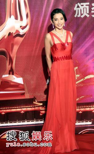 金鸡百花红毯秀—— 李冰冰红色长裙艳丽非常