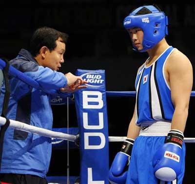 图文:[拳击]世锦赛第五日 教练指导韩国选手