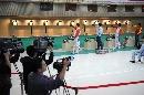 图文:男子10米气手枪比赛 选手在比赛中