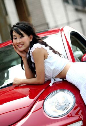 马苏客串靓丽车模