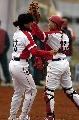 图文:大连女垒3-0战胜南京女垒 大连庆祝胜利