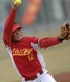 图文:广州女垒5-4战胜北京市海淀 这是个坏球