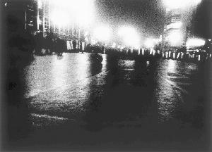 日本著名摄影艺术家森山大道的作品《东京,1969》