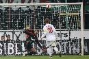 图文:[意甲]米兰0-1罗马 勺子点球