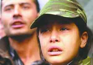 一名遇难土耳其士兵家属泪如泉涌