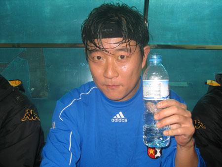 谷峰y5刷机包下载_歌手谷峰:酷爱体育 奥运留下中国人骄傲的话题