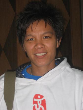 李洁 最喜欢足球 乒乓球和张怡宁