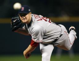 图文:[棒球]红袜VS落基山 列斯特投掷