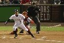 图文:[棒球]红袜VS落基山 投手被安打