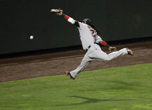 图文:[棒球]红袜VS落基山 未能双击