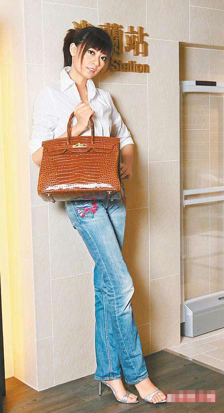 148万元的爱马仕鳄鱼漆皮柏金包,是台湾米兰站目前店内最贵的包