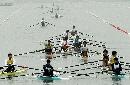 图文:赛艇男子8公里单人双桨决赛 出发很热闹