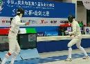 图文:女子佩剑团体赛1/4决赛 窈窕白衣女剑客