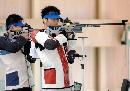 图文:朱启南获50米步枪三种姿势银牌 双雄对决