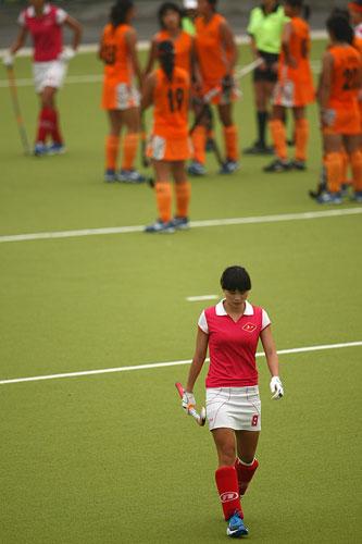 图文:广州女曲3-2胜南京 一个人孤独离开