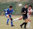 图文:广州女足4-2点杀北京 裁判险遭球袭