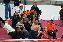 图文:广州女足4-2点杀北京 观战球迷赤裸助威