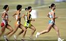 图文:六城会女子5000米预赛 讲究战术形影不离
