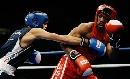 图文:拳击世锦赛第八日 泰国拳手阿弟躲过重拳