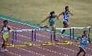 图文:男子400米栏决赛 上海浦东张崇在比赛中