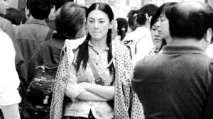 张雨绮此次在《跳出去》中出演一个舞技超群的村姑