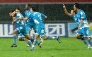 图文:中超长沙金德2-1河南建业 球员庆祝进球