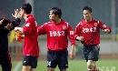 图文:[中超]上海申花2-2长春 庆祝进球