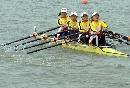 图文:城运女子轻量级2000米四人双桨 全力冲刺