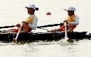 图文:六城会女子2000米双人双桨比赛 奋力划桨