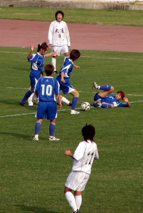 图文:女足半决赛大连点杀广州 醉卧沙场君莫笑