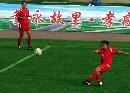 图文:女足半决赛武汉4-0南通 飞起一脚