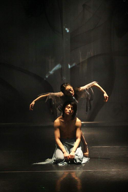 资料图片:现代舞蹈戏剧-惊梦 4