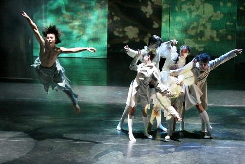 资料图片:现代舞蹈戏剧-惊梦 6