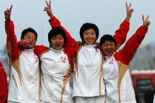 图文:大连女曲1-0广州夺冠 我们是胜利者