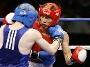 图文:拳击世锦赛第十日 谷雨和对手硬碰硬