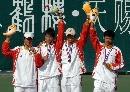 图文:六城会网球男双决赛 冠军亚军同登领奖台