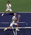 图文:六城会网球男双决赛 姜川在前蓄势待发