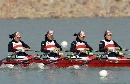 图文:大连获女子2000米四人双桨亚军 奋力划桨