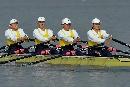 图文:武汉获女子2000米四人双桨冠军 动作整齐