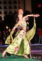 图文:第六届城运会闭幕式彩排 翩翩起舞姿态美