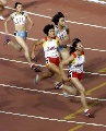 图文:城运会田径比赛 女4*100接力南京队夺金