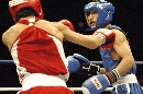 图文:拳击世锦赛邹市明晋级决赛 避开对手攻击