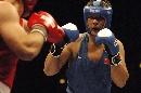 图文:拳击世锦赛尼加提无缘决赛 小心防守对手