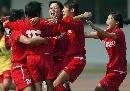 图文:南通队胜广州夺六城会女足季军 相拥庆祝