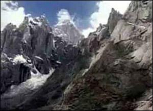 印度控克什米尔著名冰川将首次向游客开放(图)